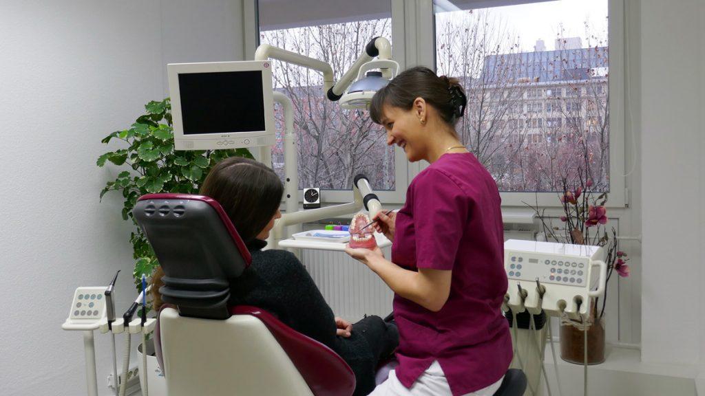 bei-der-zahnprophylaxe